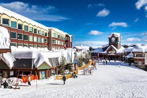 Spacious, light filled ski-in/ski-out condo!