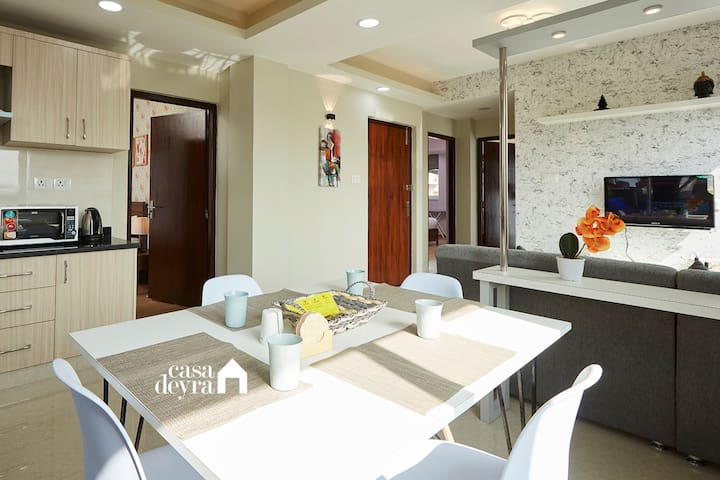 Peaceful pad @Jhamel 3BHK apartment by Casa Deyra
