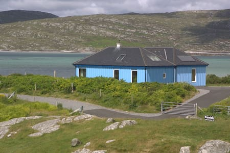 Carrick - The Blue House - Eriskay