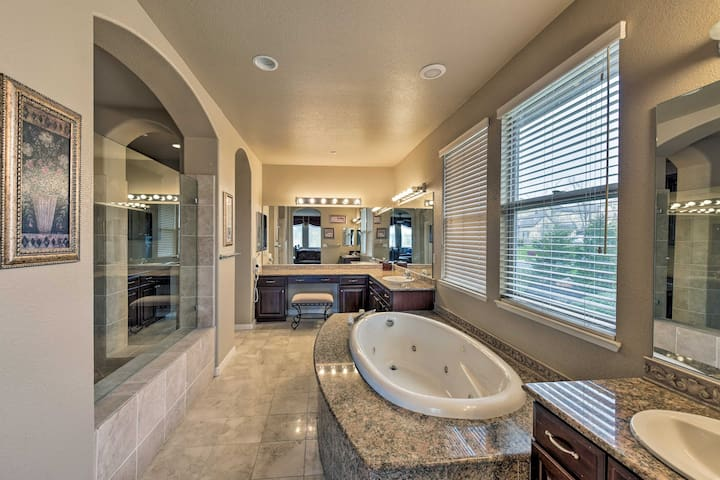 Choose between a rinse in the walk-in shower or a soak in the jetted tub.