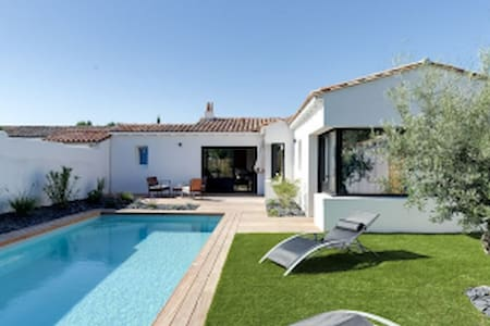 charming villa with heated and secured pool, - Rivedoux-Plage