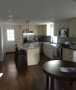 Fully renovated beach cottage