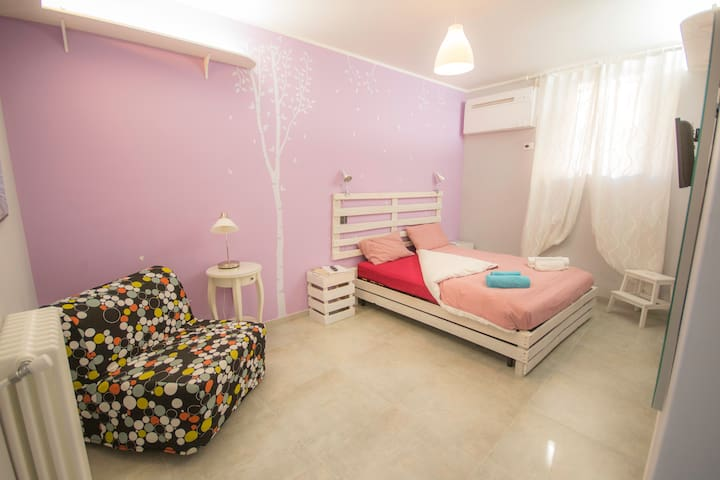 Cozy and wide room, private bathroom inside. - Rome - Appartement