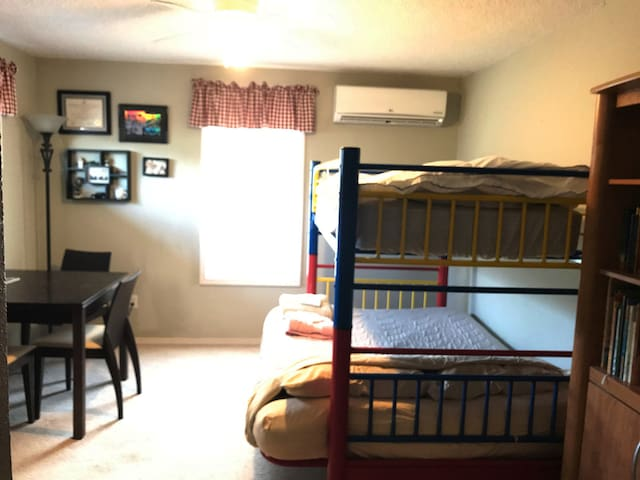 Second bedroom with futon bunk bed
