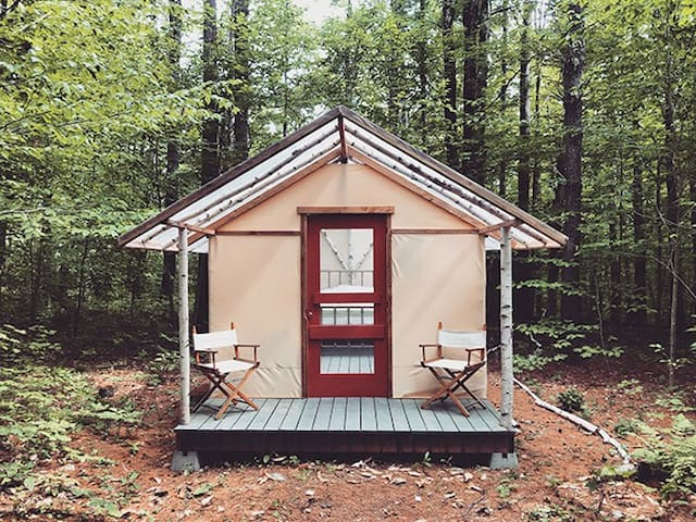 Birchwood Hideout - New England Glamping