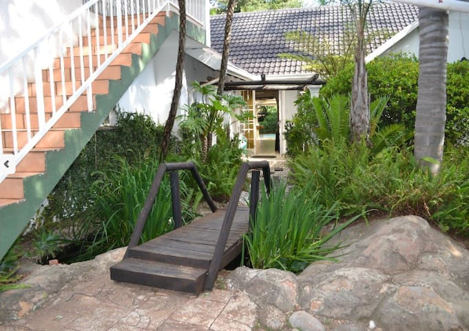 Willow Tree Guesthouse - Kempton Park - Bed & Breakfast
