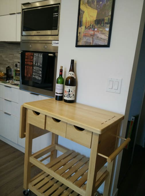 KITCHEN WORKING TABLE