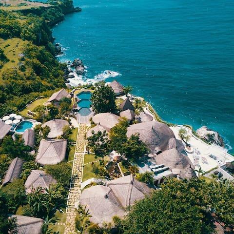 Classy Eco-Luxury Loft with Hidden Beach