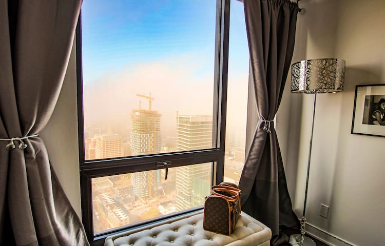 Modern sky city view condo appartements en r sidence for Chambre d hote quebec city
