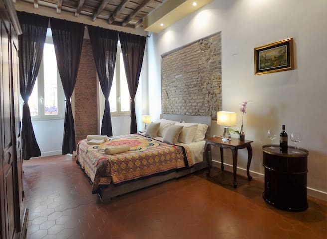 Apartment Trastevere - right in the Hearth of Rome