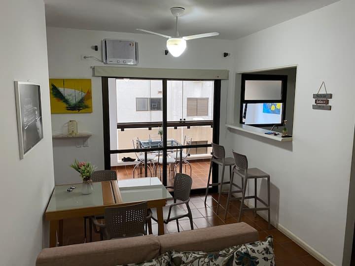 Guarujá flat Pitangueiras c/Serv.Praia+limp.diária