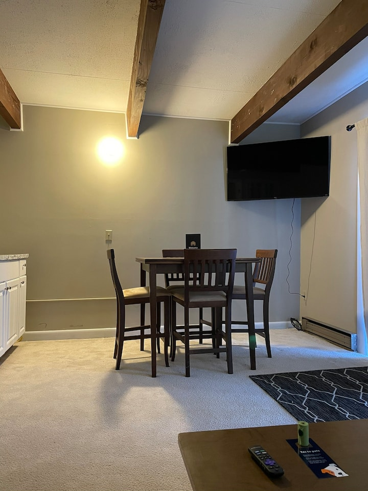 Spacious 2 bedroom condo with patio