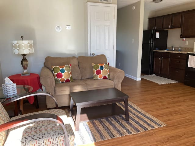 Sparkling 1 bed 1 bath in Central Columbia