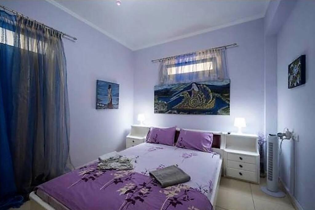 Zeus Art Bedroom