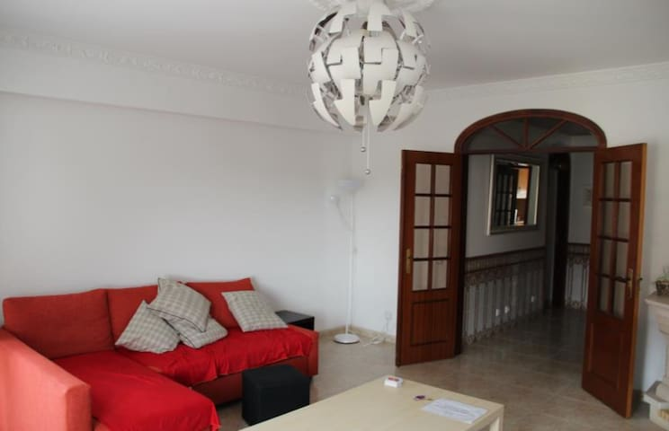 Big flat close to Lisbon - Montijo - Leilighet