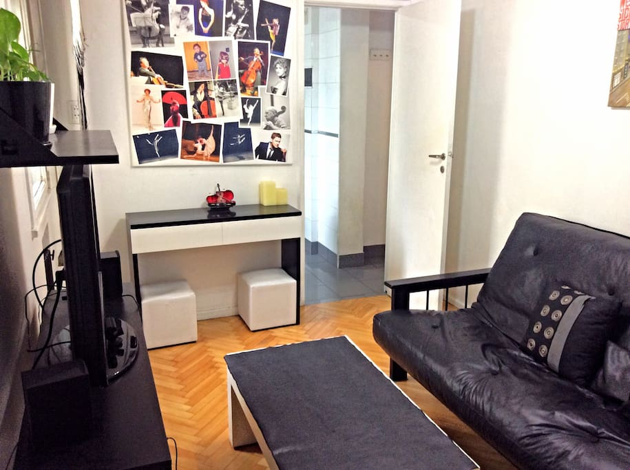 living room. audio and video sistem. Theres also a ps3