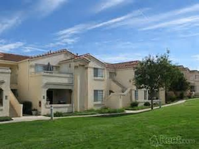 Thousand Oaks Furnished 2 bedroom - Thousand Oaks - Lakás