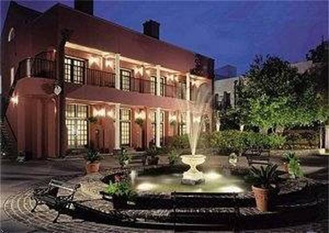 Lodge Alley Inn Resort- 1 bdrm