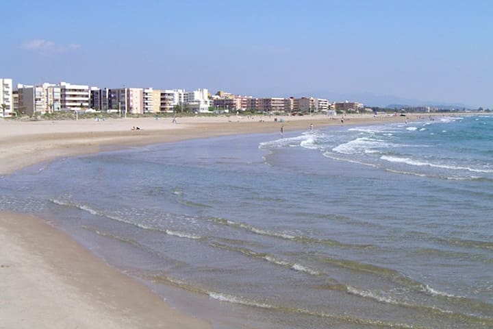 Beach Apartment in the best beach from Valencia!