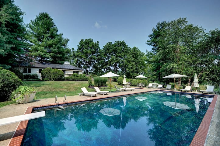 Charm in Virginia Wine Country