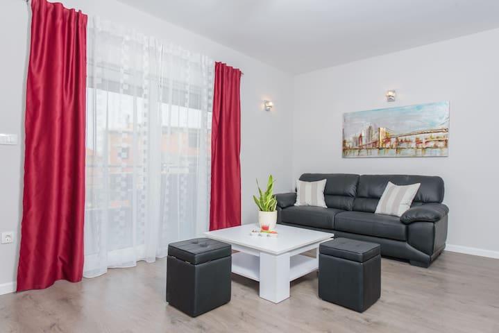 Brand new apartment in Podstrana