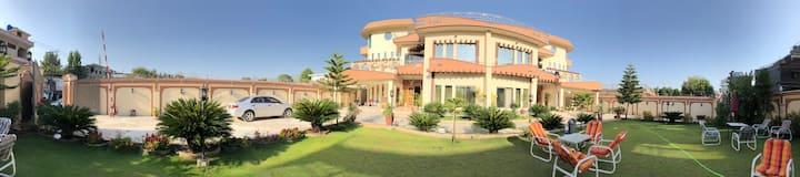 Royal emirates residence