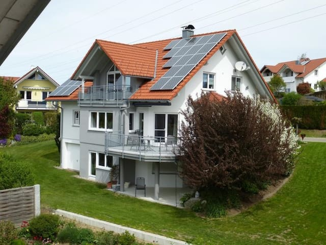 """Charming Apartment """"Ferienwohnung Merk"""" in a Quiet Area with Wi-Fi, Balcony & Garden; Parking Available"""