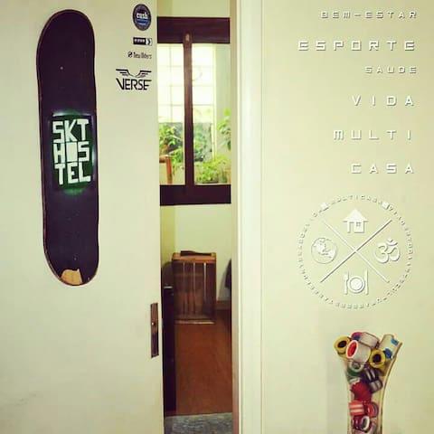 Skate Hostel