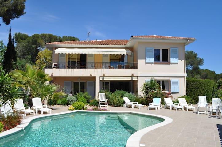 Appart T2 ds villa,piscine,prox mer - Saint-Raphaël - House