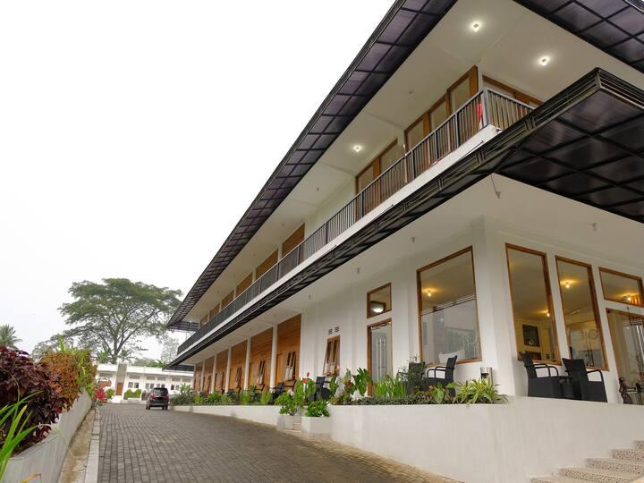 Kawi Surapatha Hotel