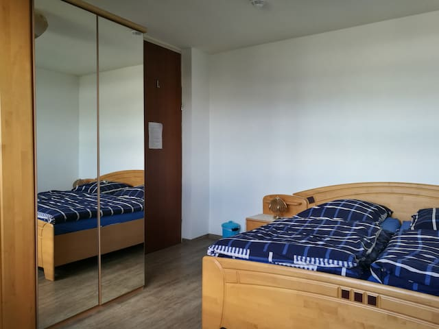 Large spacious room to relax just across from Messe Nürnberg