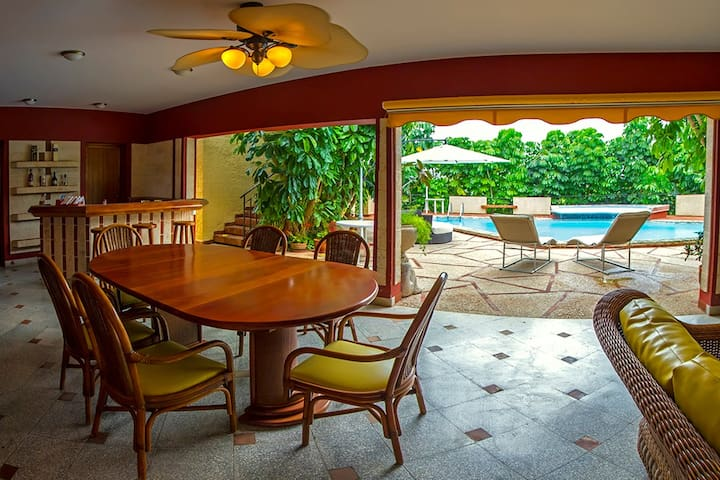 Beach 5BR Boutique Hotel RHHEOF28 - Santa Maria del Mar  - Villa
