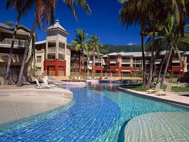 Palm Cove Beach Resort Apartment