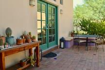 Welcome to the Desert Garden Guesthouse!