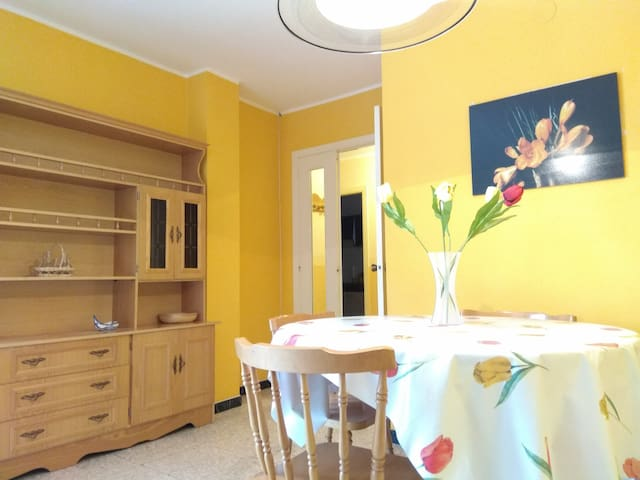 Amplio piso en Pontedeume