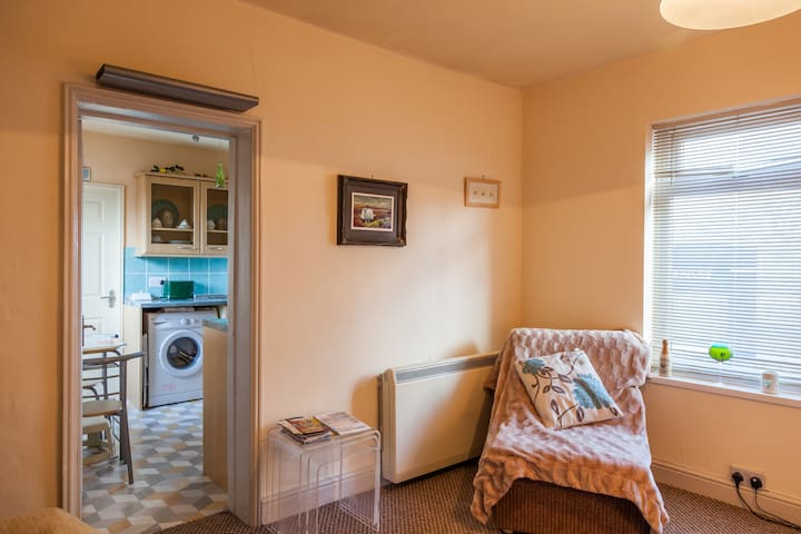 Guisborough, market town apartment for 2 - Guisborough - Apartment