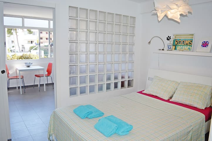 Modern studio with great location in the center! - Torremolinos - Apartamento