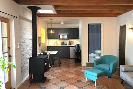 Corrales Farmhouse-2 Bedroom