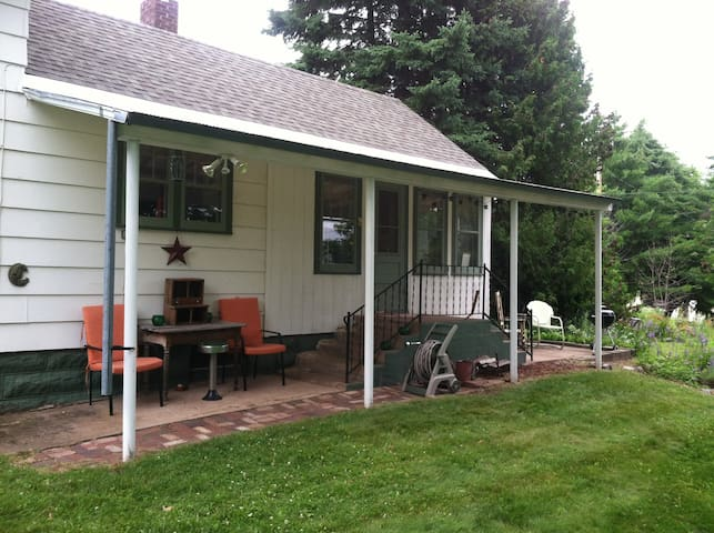 The Writer's Cottage - Bayfield - House