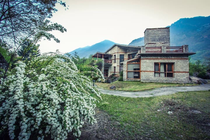 Manali Cottages That Are The Perfect Retreats For Travellers