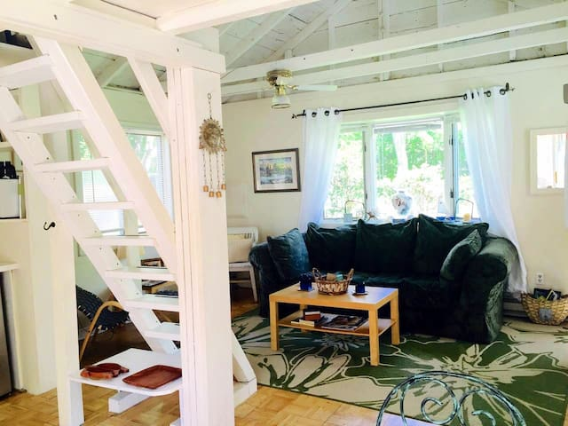 WESTHAMPTON BEACH LOFT TINY COTTAGE RETREAT!