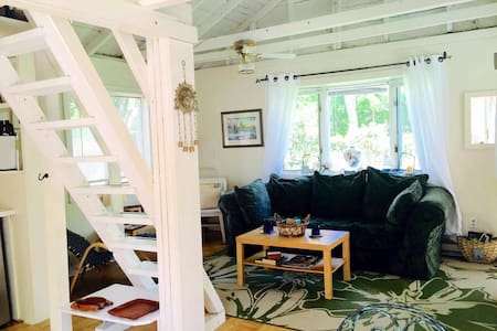 Cool Tiny Home Artist Loft!