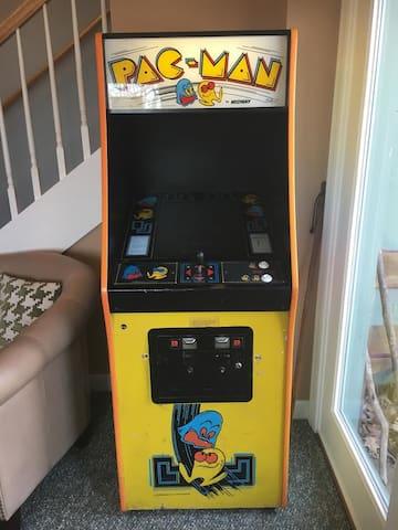 Working full-size vintage Ms Pacman machine.