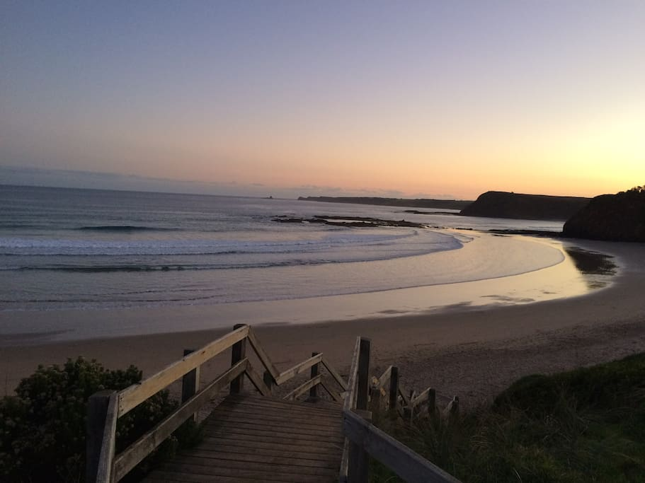Smiths Beach: 5 minute walk away from house.