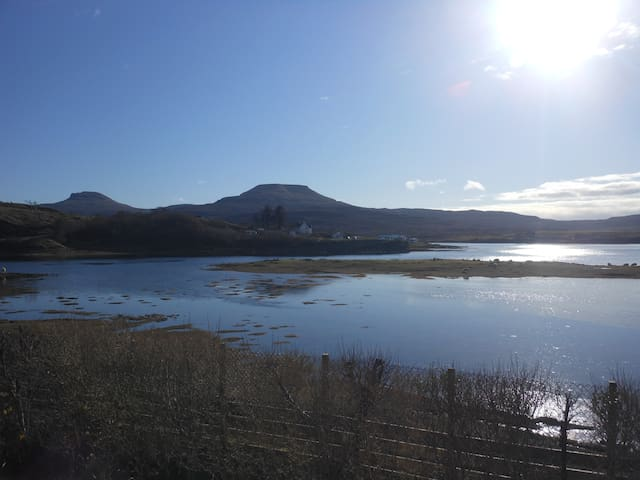 Minnie's Rooms Family Loch View - Dunvegan