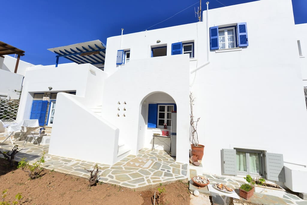 Welcome to PAROS , Naoussa and to our complex of 7 apartments