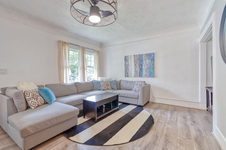 Comfy & Cozy 2 Bedroom Portland Apartment