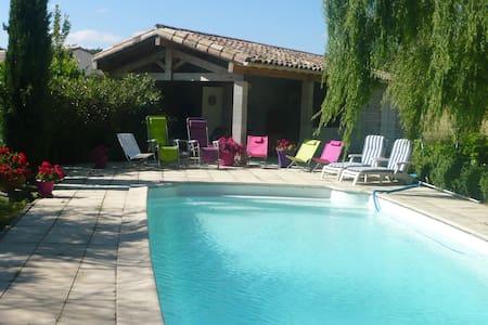 Grande villa avec piscine - Villepinte