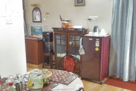 Double Bed ,Back Water Guest House - Kochi - Bed & Breakfast