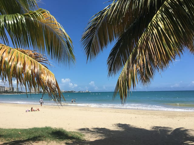 Oceanfront Studio@Isla Verde Beach/Parking+WiFi